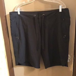 Free country black shorts